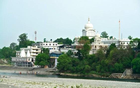 Gurudwara-Sri-Paonta-Sahib,-Himachal-Pradesh